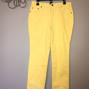 Earl jeans straight leg NWT Yellow size 10